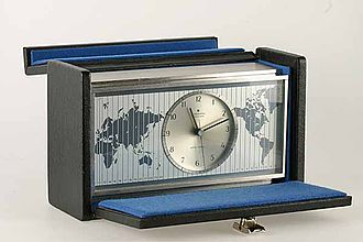 "Quartz clock - First European quartz clock for consumers ""Astrochron"", Junghans, Schramberg, 1967 (German Clock Museum, Inv. 1995-603)"