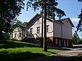 Kärsämäen koulu Kärsämäentieltä nähtynä.jpg