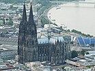 Kölner Dom003 (survol de Cologne) .jpg