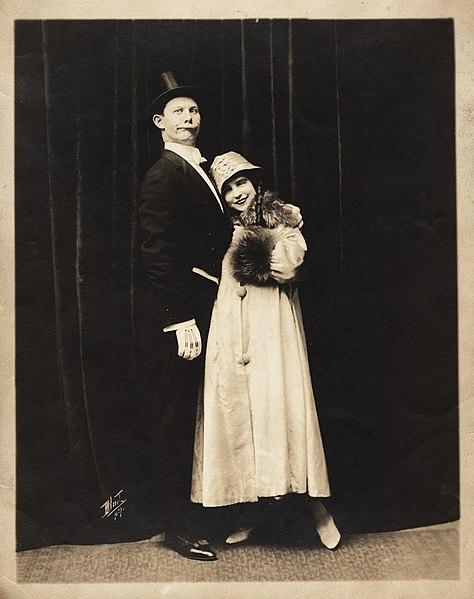 File:Kammerer Howland vaudeville comedy act 1914.jpg