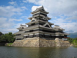 Keep of Matsumoto Castle.JPG