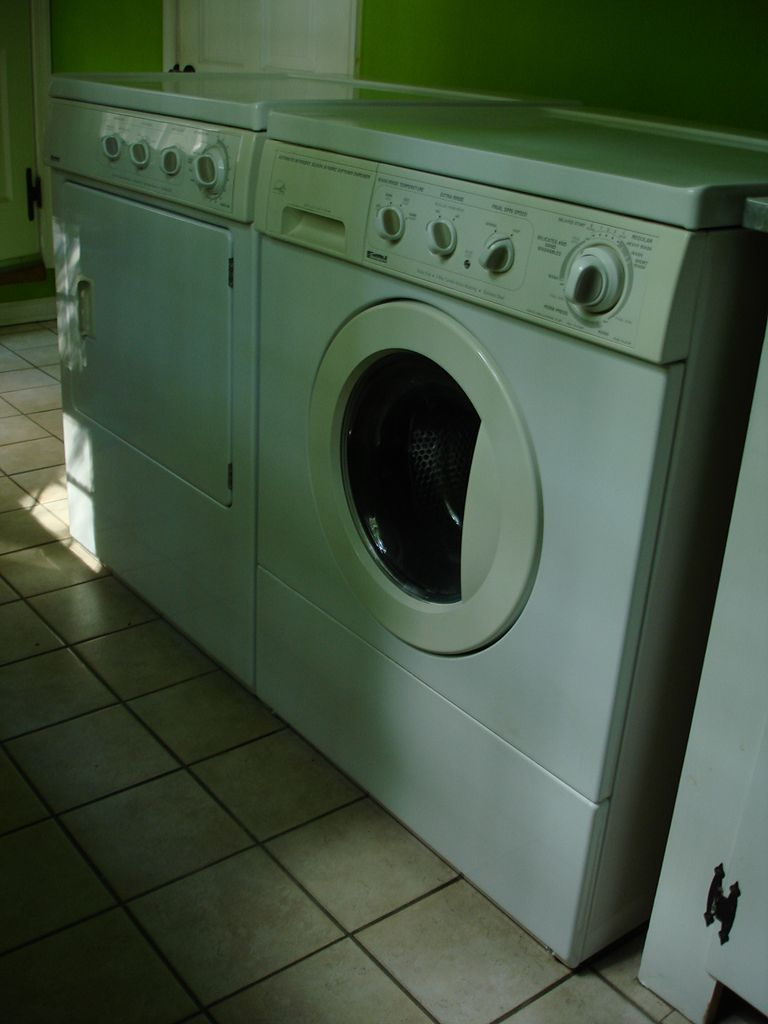 washing and dryer machine