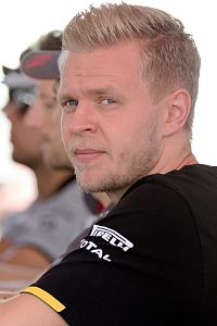 Kevin Magnussen 2016 Malaysia.jpg