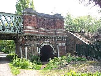 Kew Railway Bridge - Kew Railway Bridge stonework