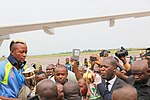 Kinshasa, RD Congo - Les Léopards accueillis à l'aéroport de Ndjili à leur descente d'avion par une foule enthousiaste après leur sacre au Championnat d'Afrique des nations de football (CHAN). (24820108021).jpg