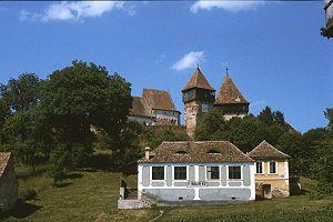 Moșna, Sibiu - Image: Kirchenburg Almen Suedansicht