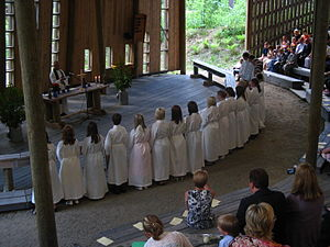 Awakening (religious movement) - Confirmation and mass in outdoor church at the end of confirmation camp in Aholansaari center of the Awakening movement
