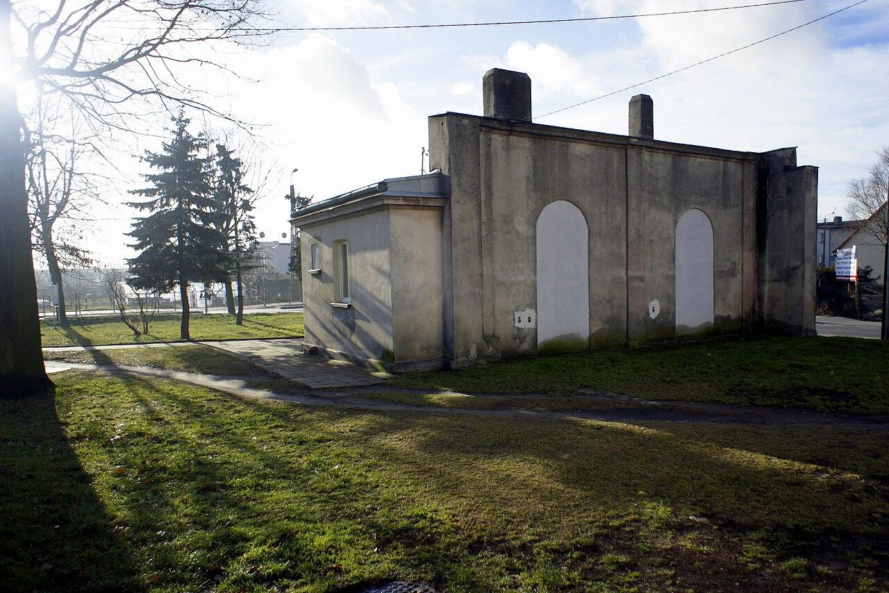 Krotoszyn, dom przedpogrzebowy.jpg