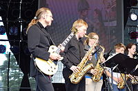Kühbauch mit der Mixed Bag Boogie Band, mit der er 2010 auch auf dem Montreux Jazz Festival spielte
