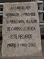 Lápida Clara del Rey - jardines de mario benedetti madrid.jpg