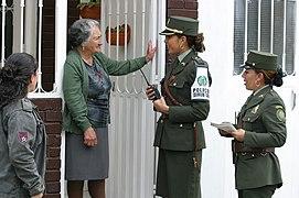 La mujer en la Policía Nacional (5513344609).jpg