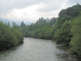 Traun (river) - Image: Lauffen, de Traun foto 4 2011 07 29 10.14