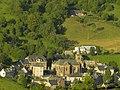 Le Falgoux est situé au pied du Puy-Mary, au cœur du parc des volcans d'Auvergne, dans le département du Cantal. - panoramio (17).jpg