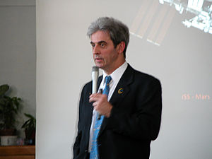 Léopold Eyharts - Léopold Eyharts during a conference in a school of Vincennes (12 December 2009)