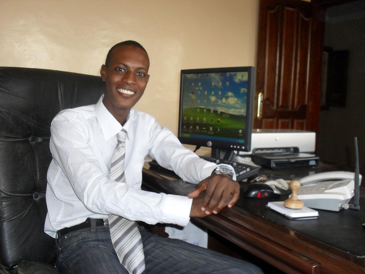 Les jeunes dirigeants remettent en cause les traditions en Mauritanie (5198526542).jpg
