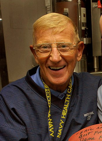 Lou Holtz in July 2007. Cropped version of Ima...