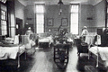 Louise Margaret Hospital lying in ward c1908.png