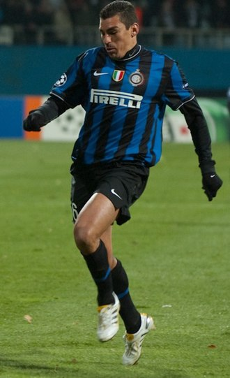 Lúcio - Lucio in action with Inter.