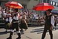 Männertracht aus Slowenien beim Villacher Kirchtag, Kärnten.jpg