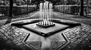 Müga Wasserspiele sw 2013.jpg