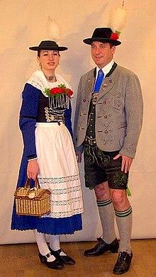 Баварский национальный костюм — Википедия c9f9f906a05a8