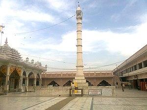 Manastambha - Image: Maansthamb tijara jain temple