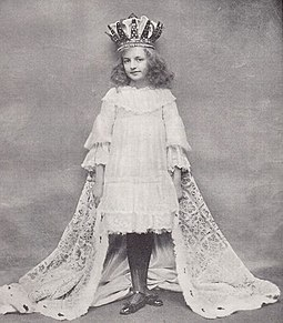 Maidie Andrews as Alice in Alice Through the Looking-Glass at the Comedy Theatre, London during the Christmas period 1903-04. Pictured in The Tatler (January 1904) Maidie Andrews Tatler 1904.jpg