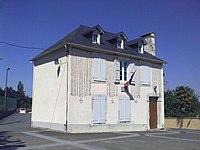 Mairie de Haut-de-Bosdarros.jpg