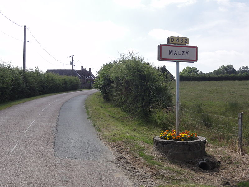 Malzy (Aisne) city limit sign