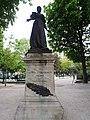 Maria Deraismes, square des Épinettes (14907362287).jpg
