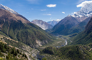Annapurna Circuit - Paungda Danda and Marsyangdi river valley near Pisang
