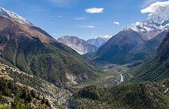 Annapurna Circuit - Paungda Danda and Marsyangdi river valley near Pisang