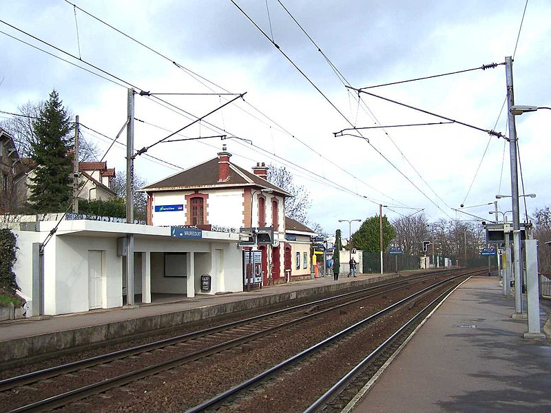 Railway station of Maurecourt in Andrésy (Yvelines, France)