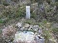 Memorial to Bruce Bayne Bossom - geograph.org.uk - 968998.jpg
