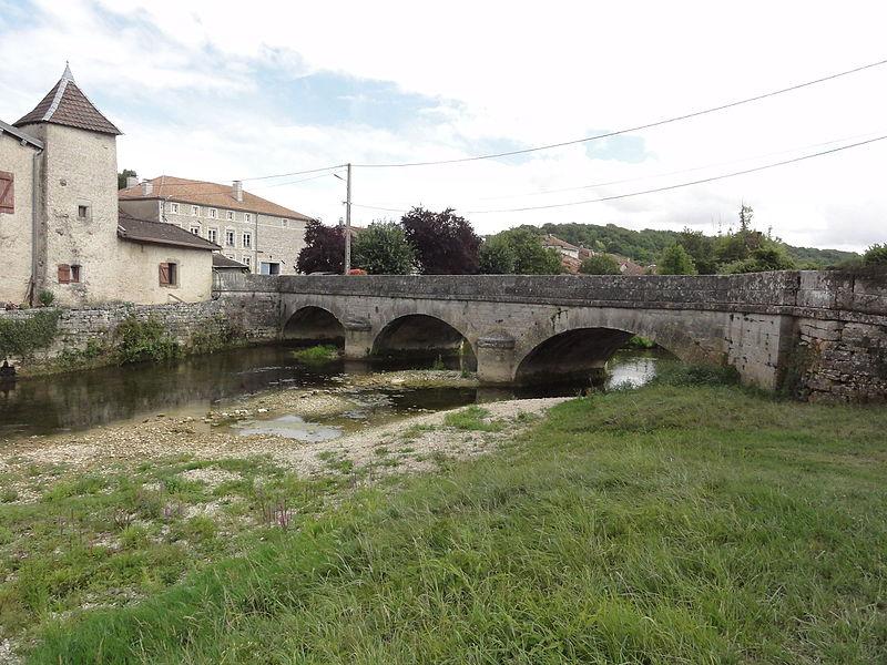 Menaucourt (Meuse) pont sur l'Ornain