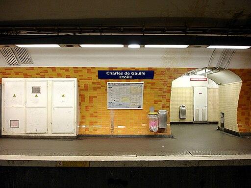 Metro de Paris - Ligne 2 - Charles de Gaulle - Etoile 05