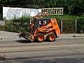 Michle, U plynárny, rekonstrukce TT, nakladač Locust.jpg