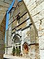 Monpazier - Eglise Saint-Dominique - Façade occidentale vue d'une cornière de la place.JPG