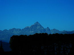 Monviso da strada per Barge enhanced.jpg