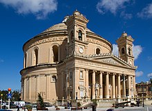 La Rotunda Santa Marija de Mosta, à Malte, a été construite à partir de  1833.
