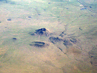 Raton-Clayton volcanic field - Oblique air photo of Mt. Clayton