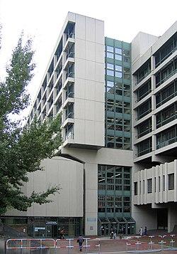 Muenchen-Strafjustizzentrum1-Bubo.JPG