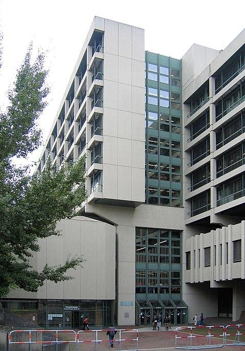 Datei:Muenchen-Strafjustizzentrum1-Bubo.JPG
