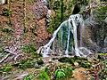 Myon, la roche tufière de la source de Conche.jpg