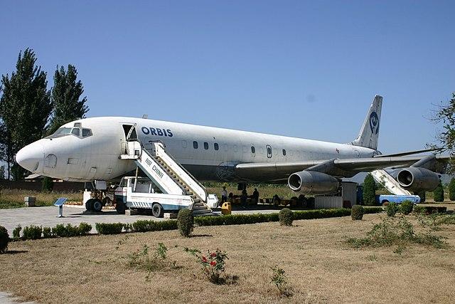 Orbis DC-8