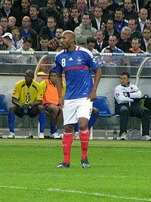 Anelka con la maglia della Nazionale francese