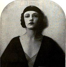 Natacha Rambova - Nov 1922 Photoplay.jpg
