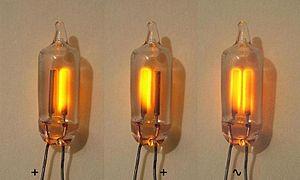 Daniel McFarlan Moore - Image: Neonlamp 3