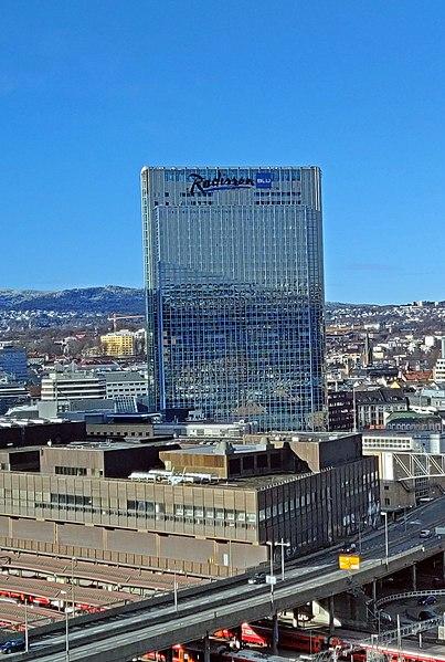 Fil:Oslo Plaza og Postgirobygget2 (cropped).jpg