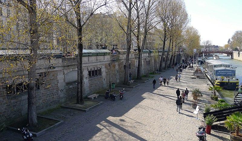Fichier:P1170626 Paris V port de Montebello rwk.jpg
